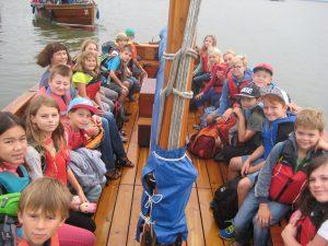"""Auf """"hoher See"""" - mit dem Auswandererboot geht es quer über das Steinhuder Meer nach Steinhude."""